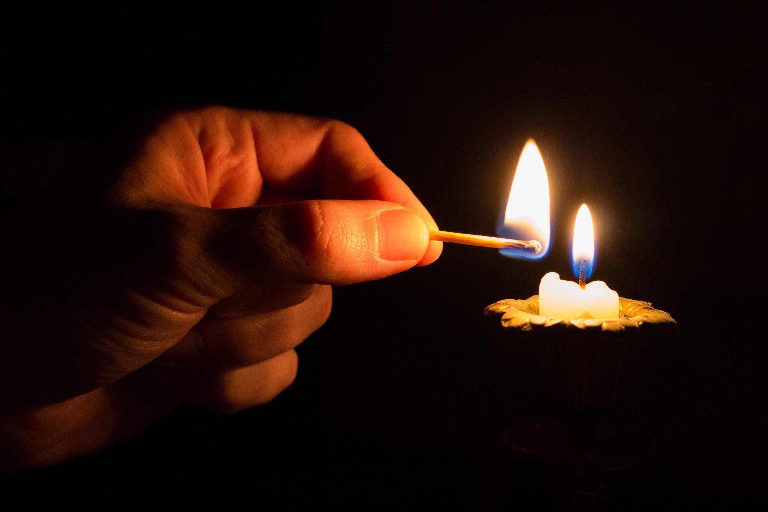 virtuelle Kerze anzünden
